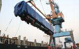 Đầu máy, toa chở khách tàu Cát Linh – Hà Đông cập cảng Hải Phòng