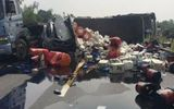 Cao tốc Hà Nội - Thái Nguyên tê liệt sau tai nạn container và xe chở dầu