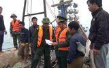 Bắt quả tang 6 đối tượng dùng mìn tự chế đánh cá trên biển