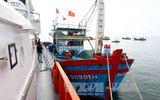 Cứu hộ thành công tàu cá và 10 thuyền viên gặp nạn trên biển