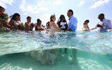 Chiêm ngưỡng đám cưới ngâm mình dưới đại dương của cặp đôi ở Mexico