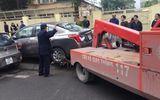 """Hà Nội: Cẩu xe vi phạm, phá thềm nhà, quyết """"giải phóng"""" vỉa hè"""