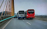 """Xử phạt 2 tài xế xe khách """"đại náo"""" trên cầu Bãi Cháy"""