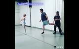 Video hai bố con múa ballet thu hút 18 triệu lượt xem ở Mỹ