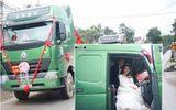 Màn rước dâu bằng 20 chiếc xe đầu kéo của cặp đôi trẻ Yên Bái gây