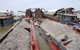 Bắt quả tang 13 tàu khai thác cát trái phép trên sông Hồng