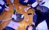 Phát hiện 17 nữ sinh cấp 2 sử dụng shisha trong lớp học