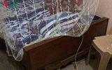 Nhân viên cây xăng trình báo bị kẻ mặt chích điện trong đêm