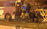 Tai nạn giao thông, thi thể tài xế xe khách kẹt trong cabin