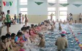 """Hà Nội """"gặp khó"""" trong việc phổ cập bơi cho học sinh tiểu học"""