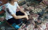Người phụ nữ kể lại việc bị hắt dầu luyn trộn chất thải chỉ vì bán thịt lợn giá rẻ