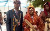 """Bộ trưởng Tư pháp tặng """"quà đặc biệt""""  cho 700 cô dâu"""