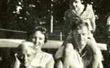 Năm 1961, bé gái này được phát hiện trôi dạt trên biển: 50 năm sau, cô đã tiết lộ sự thật khủng khiếp