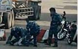 Đình chỉ công tác 5 kiểm soát viên cảng Cát Lái đánh phụ xe container