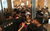 """1.500 nhân viên đi viếng đám ma """"chết lặng"""" khi nhìn vào bên trong quan tài"""