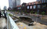 24h qua ảnh: Hố tử thần khổng lồ trên đường phố Trung Quốc