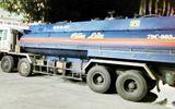 Bắt quả tang tài xế xe bồn vận chuyển trái phép 12.000 lít xăng
