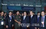 Thủ tướng Nguyễn Xuân Phúc và Thủ tướng Campuchia Hun Sen gặp gỡ nhân dân Bình Dương
