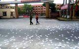 Thái Bình: Tạm giữ nam thanh niên lạ mặt rải phao thi trước cổng trường