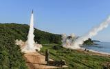 """Bình Nhưỡng nói sẽ """"tặng thêm quà"""", Tư lệnh Mỹ cảnh báo """"sẵn sàng"""" lâm trận với Triều Tiên"""