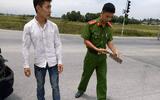 Điều tra vụ lái xe cứu thương nghi cầm dao đuổi chém người sau va chạm giao thông