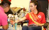 Hoa hậu biển Thùy Trang chung tay phá kỷ lục về hiến máu