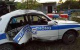 Xe cảnh sát giao thông gặp nạn khi truy đuổi tội phạm ma túy