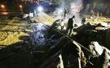 Lũ quét thảm khốc ở Yên Bái: Phá đá xuyên đêm tìm 12 người mất tích