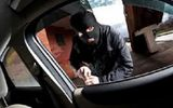 """""""Đạo tặc"""" táo tợn trộm ô tô đang rao bán bên đường"""