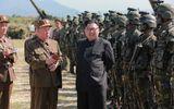 Ông Kim Jong-un quan sát quân đội tấn công giả định Hàn Quốc