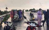 Đôi nam nữ đi xe máy bị sét đánh, một người tử vong