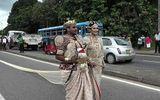 Cô dâu đối mặt với án tù vì bắt 250 trẻ em nâng váy cưới