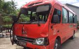 Xe khách đâm cột điện, 2 người chết, 14 nạn nhân bị thương nặng