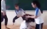 Phẫn nộ clip nhóm nữ sinh đánh bạn trong lớp học