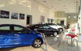 Chuyện lạ trên thị trường ô tô: Xe giảm giá liên tục, người Việt hờ hững
