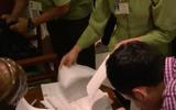Vụ Khaisilk bán khăn lụa Trung Quốc: Do nhân viên trà trộn hàng dịp 20/10