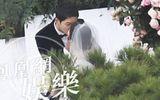 """Đám cưới Song Hye Kyo - Song Joong Ki: Cô dâu chú rể ngọt ngào """"khóa môi"""""""