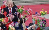"""Tổng thống Trump cảm thấy """"ấm áp"""" vì Trung Quốc trải thảm đỏ, bắn đại bác"""