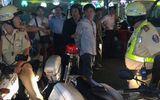 """CSGT truy đuổi xe """"điên"""" hơn 5km trên đường phố Sài Gòn"""