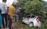Nam Định: Ô tô bay xa 20m sau cú tông của tàu hỏa