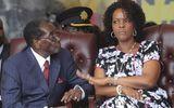 Đệ nhất phu nhân Zimbabwe có thể bị truy tố sau khi chồng từ chức