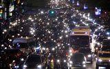 Trung tâm Hà Nội, Sài Gòn kẹt cứng trong đêm Black Friday