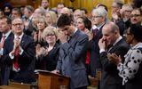 Thủ tướng Canada Justin Trudeau bật khóc xin lỗi người đồng tính