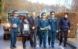Lễ tang phi công Nguyễn Thành Trung tại Anh