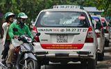 """Hiệp hội Taxi TP.HCM kiến nghị coi Uber, Grab là """"taxi đặt xe qua mạng"""""""