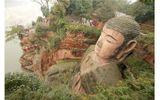Tượng Phật nổi trên mặt nước, nhắc nhở quá khứ bị lãng quên