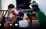 Sự thật bất ngờ vụ thanh niên mặc áo Grab xịt hơi cay cướp điện thoại