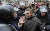 Cảnh sát Nga bắt lãnh đạo đối lập biểu tình bất hợp pháp