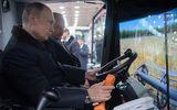 """Ông Putin đùa """"sẽ đi lái máy gặt nếu không tái đắc cử"""""""