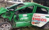 Taxi bị tàu hỏa tông văng nát, tài xế tử vong tại chỗ